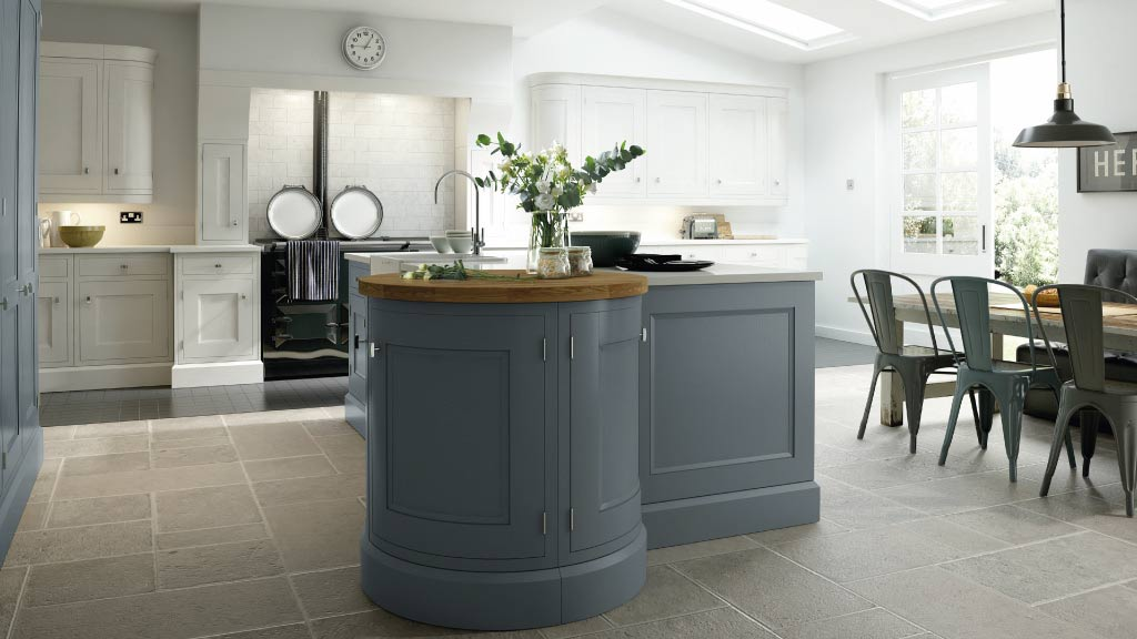 Fitted-kitchens-Warrington-Kitchen-Showroom-Stockton-Heath-Painted-In-Frame-Kitchen-Design-Warrington-Cheshire